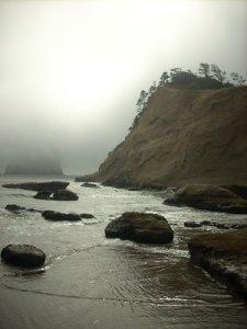 the_fog_rolls_in_by_soyrwoo